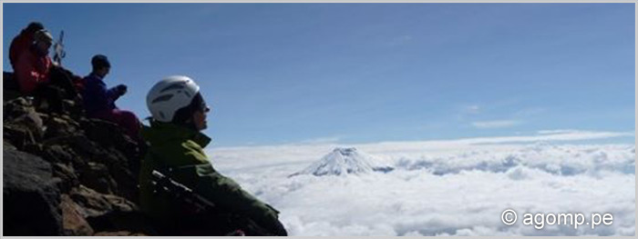 Climbing Volcanos Illinza Norte (5116 m) and Volcan Cotopaxi (5897 m)